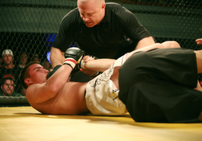 Mike Lister Wins By Arm Bar at Rumble at The Roseland