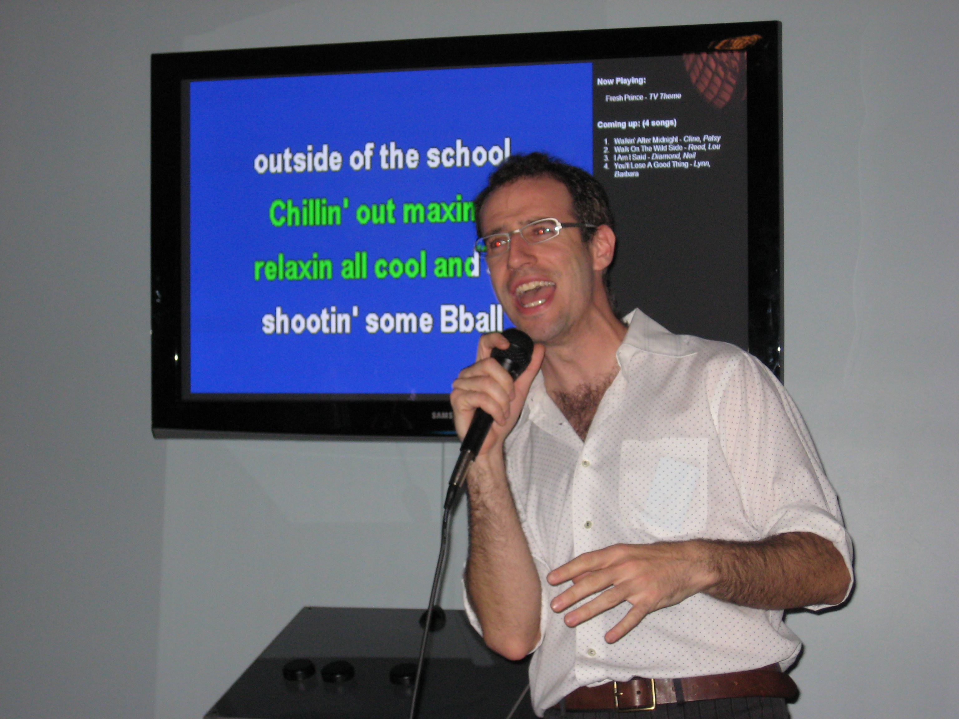 Voicebox Owner Scott Simon Sings Karaoke