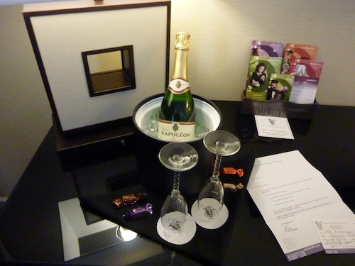 Champaign - part of the romance package