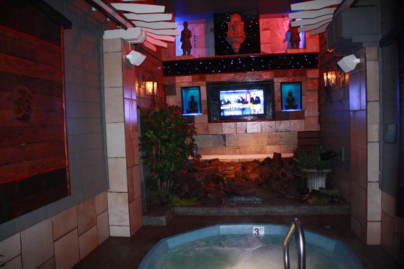 Portland Tub and Tan's Buddha Theme Room